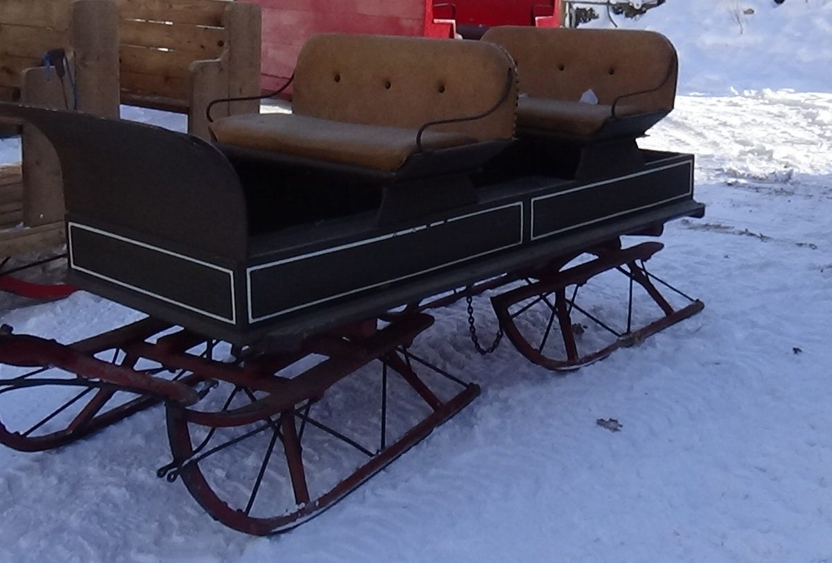 two-seater-sleigh